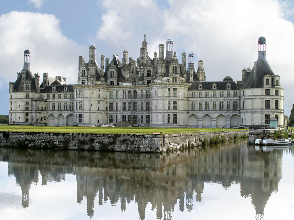 loire valley day tours and overnight in hotel in tours chateaux wines - Pictures Of Tours