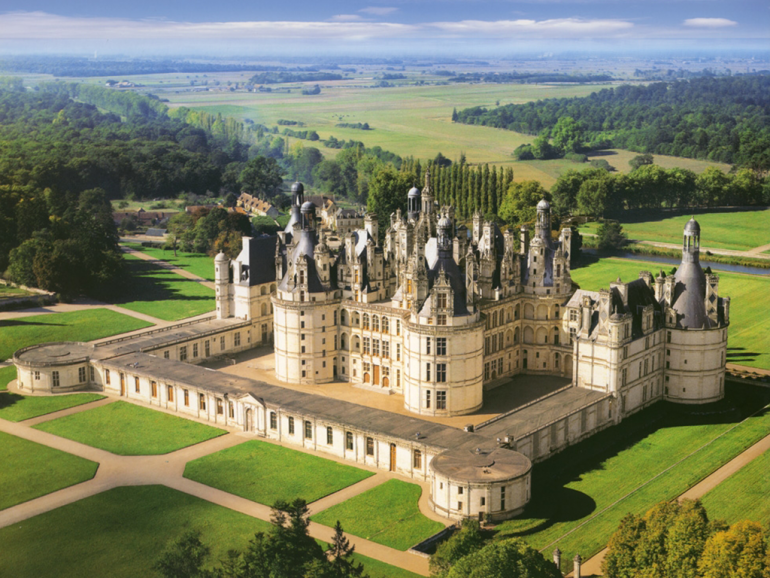 Private Luxury escorted tour Must-see of the Loire Valley - Chenonceau and Chambord