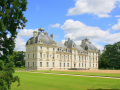 Private Luxury guided tours to the Loire Valley, Normandy and Giverny. 5 nights 4* hotel & 6 Days
